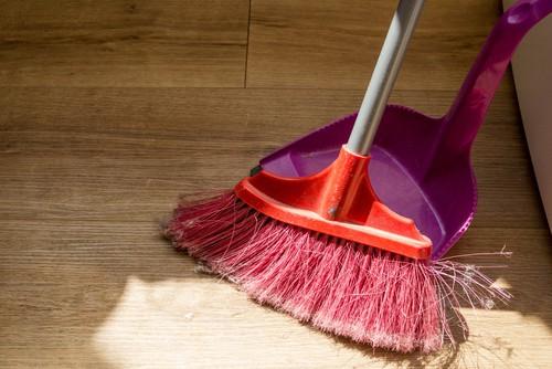 sweep-vinyl-flooring-regularly