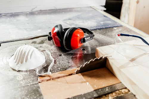 How Do You Reduce Dust in a Workshop?